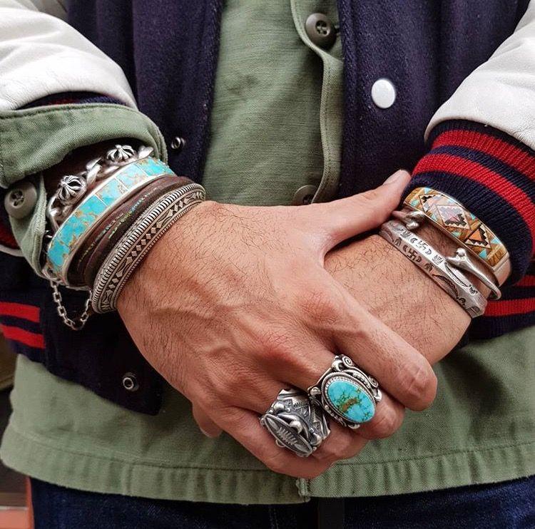 port de bracelet amérindien